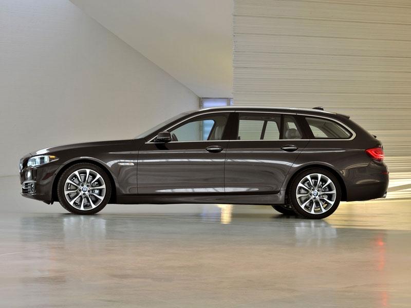Фото нового BMW 5 универсал.