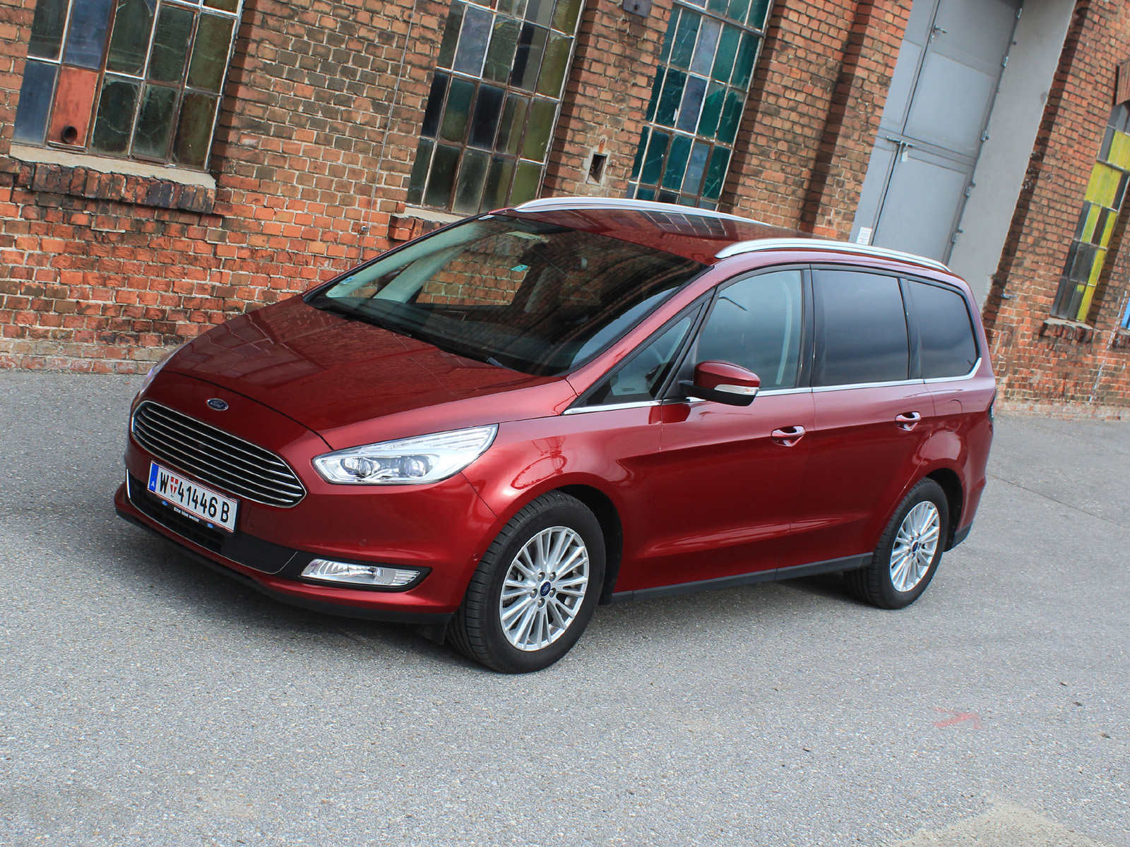ford galaxy 2 0 tdci 180 ps aut awd titanium. Black Bedroom Furniture Sets. Home Design Ideas