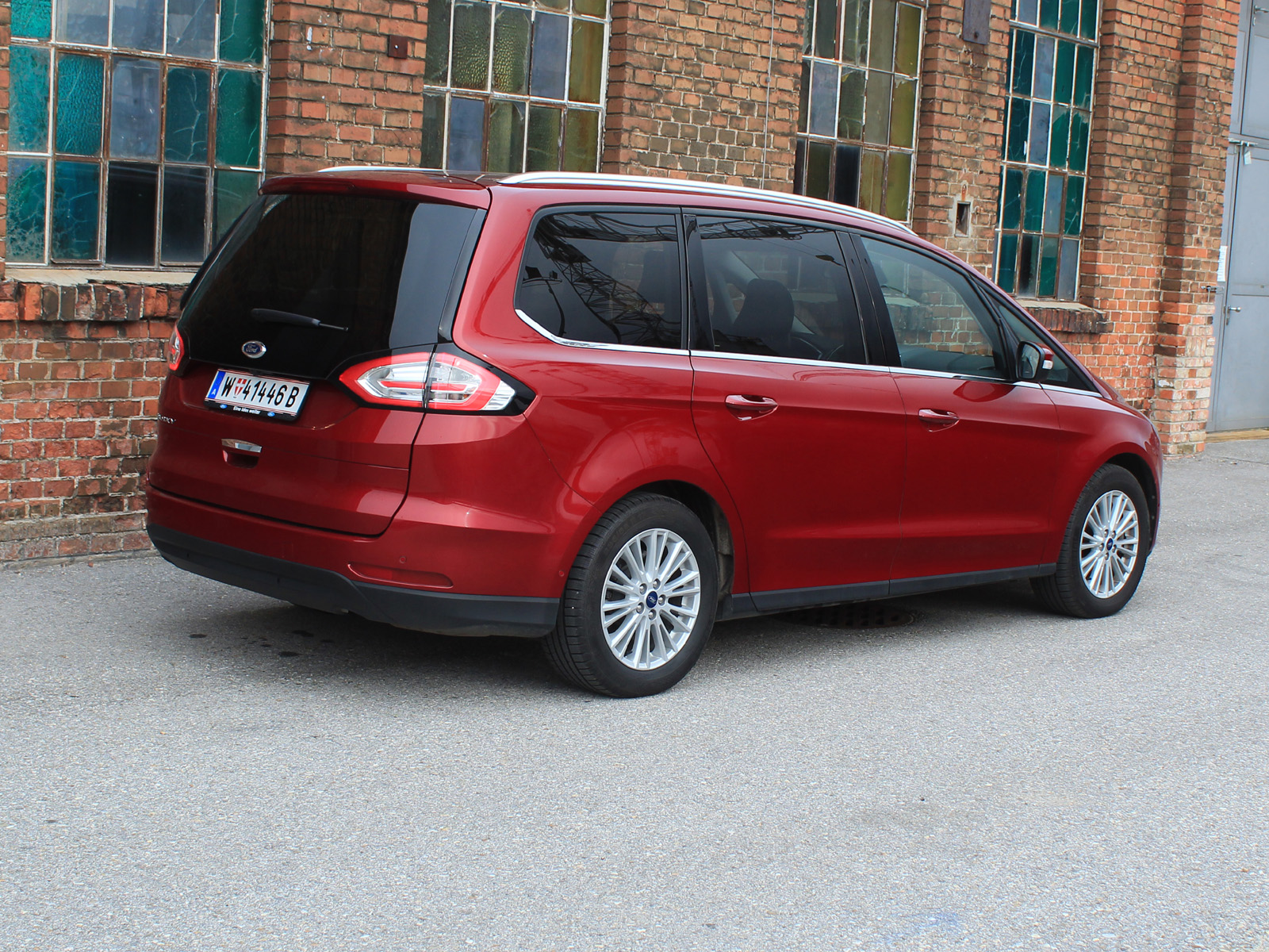 ford galaxy 2 0 tdci 180 ps aut awd titanium testbericht. Black Bedroom Furniture Sets. Home Design Ideas