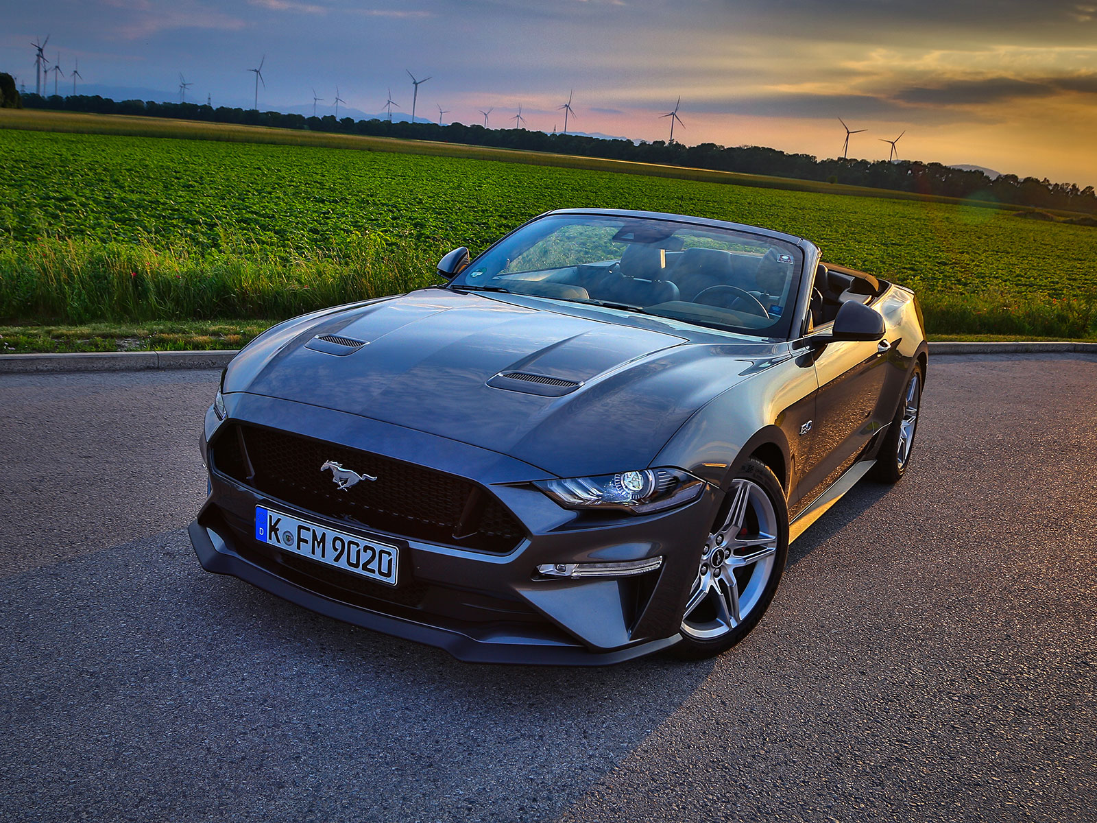 ford mustang 5 0 v8 at cabrio testbericht. Black Bedroom Furniture Sets. Home Design Ideas