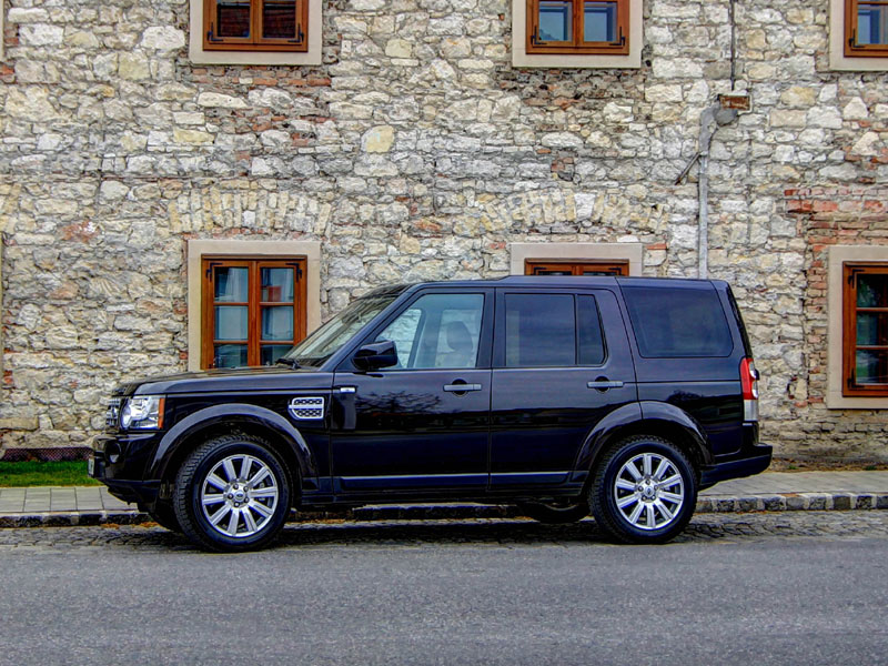 land rover discovery zulässiges gesamtgewicht with Land Rover Discovery 4 30 Sdv6 Hse Testbericht on Specifications as well Slideshow likewise Land Rover Discovery 20 Sd4 Hse Testbericht in addition Land Rover Discovery 4 30 Sdv6 Hse Testbericht likewise