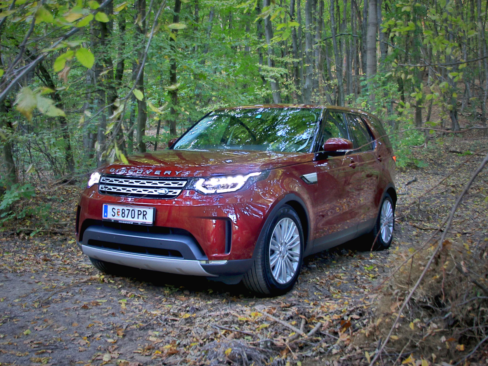 land rover discovery zulässiges gesamtgewicht with Land Rover Discovery 20 Sd4 Hse Testbericht on Specifications as well Slideshow likewise Land Rover Discovery 20 Sd4 Hse Testbericht in addition Land Rover Discovery 4 30 Sdv6 Hse Testbericht likewise