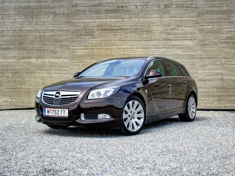 opel insignia sports tourer 2 0 biturbo cdti 4 4 at. Black Bedroom Furniture Sets. Home Design Ideas