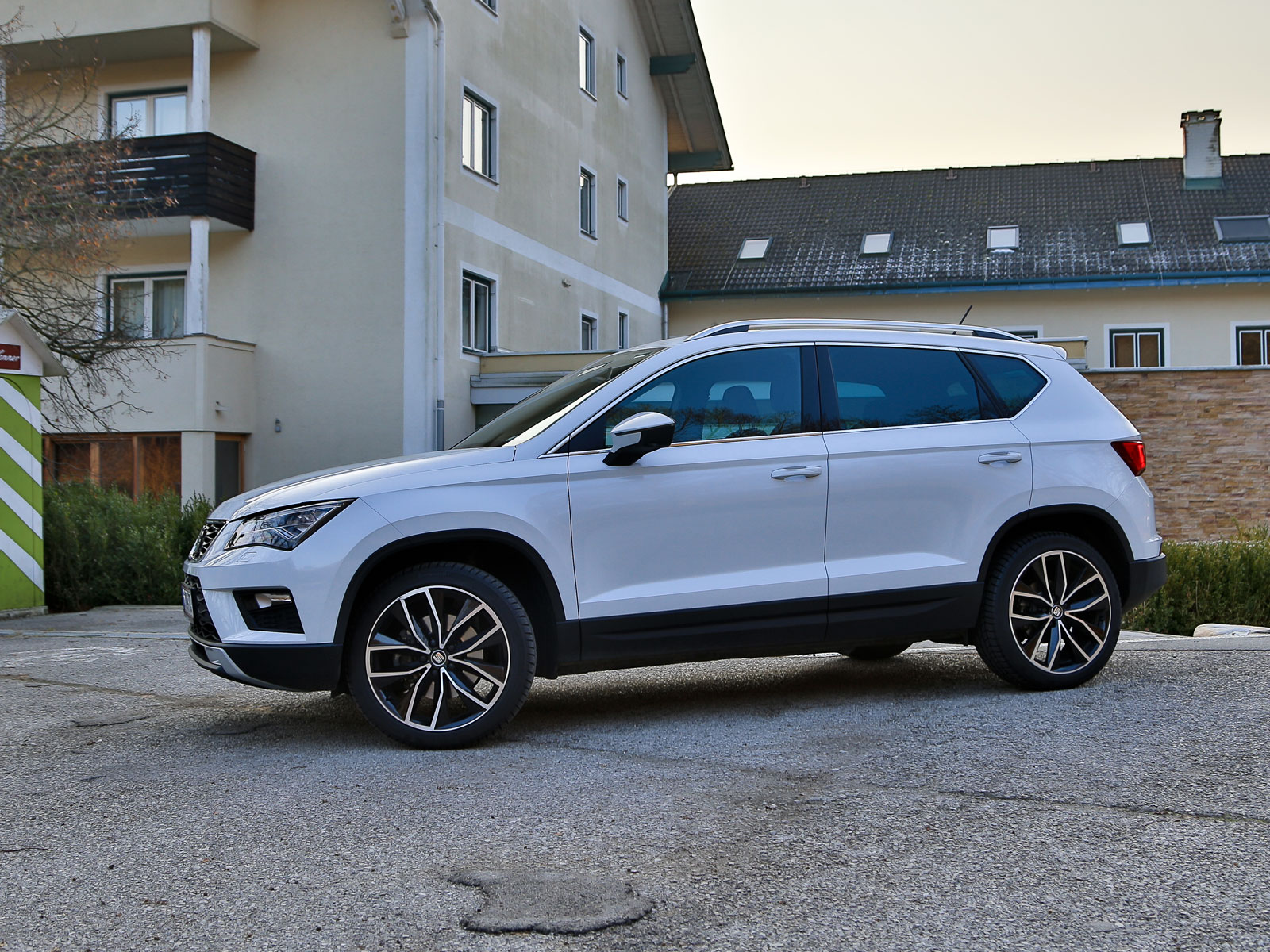 2016 seat ateca 20 tdi 190 ps 4drive xcellence autos post. Black Bedroom Furniture Sets. Home Design Ideas