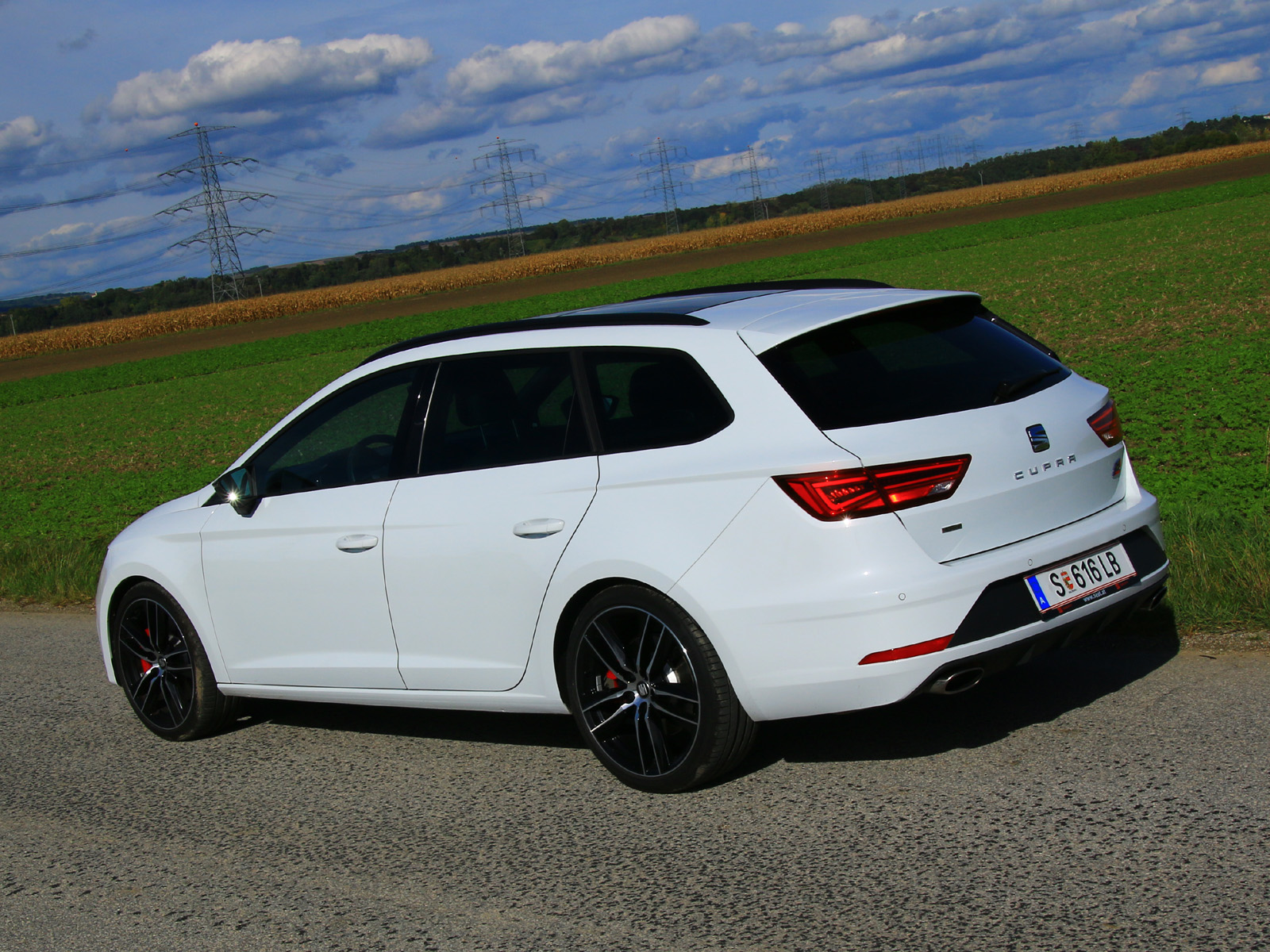 seat leon st cupra 300 tsi dsg 4drive testbericht. Black Bedroom Furniture Sets. Home Design Ideas
