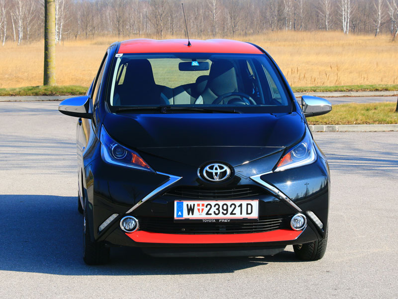 toyota aygo 1 0 vvt i x clusive testbericht. Black Bedroom Furniture Sets. Home Design Ideas