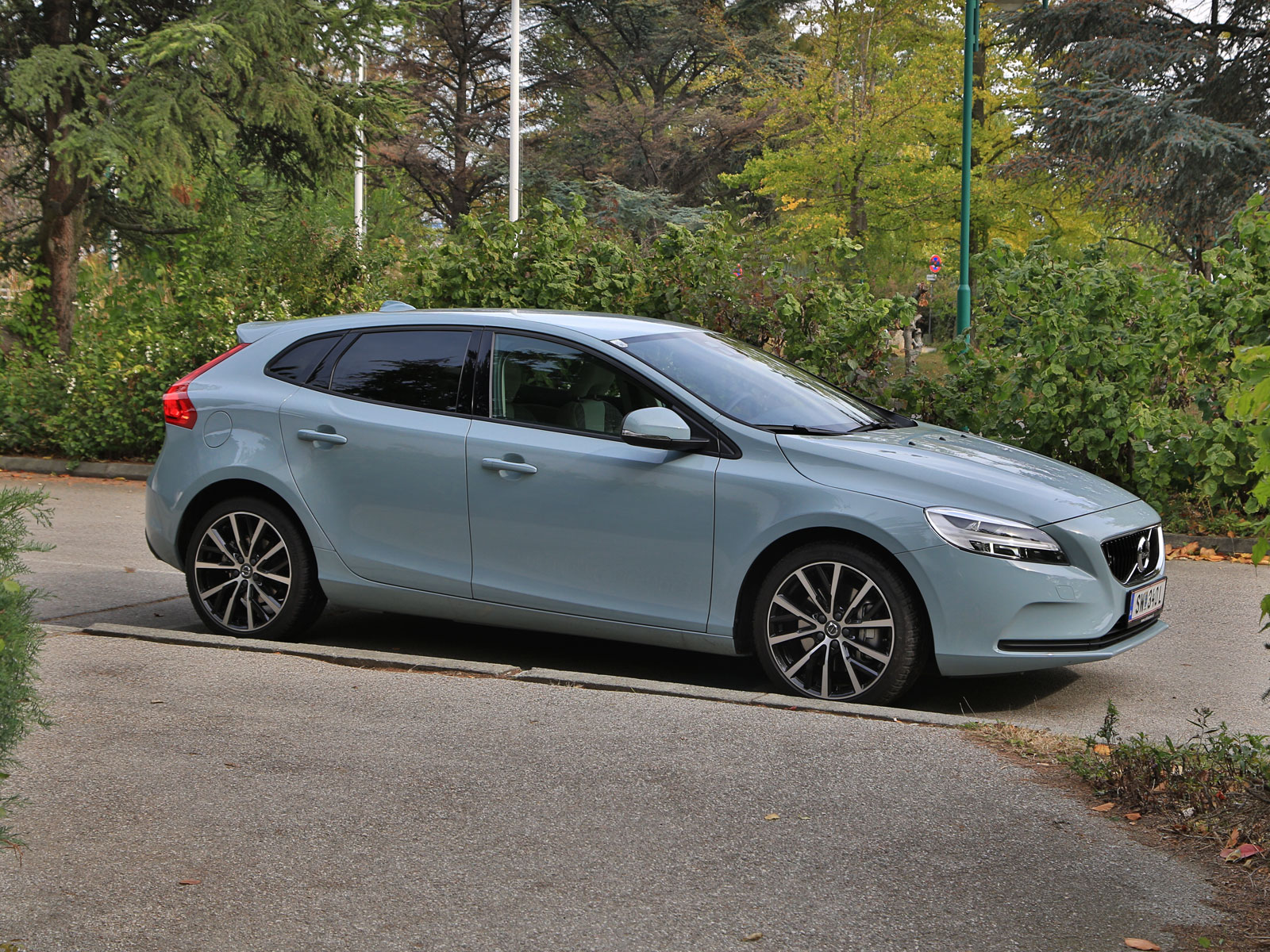 volvo v40 d3 geartronic kinetic testbericht. Black Bedroom Furniture Sets. Home Design Ideas