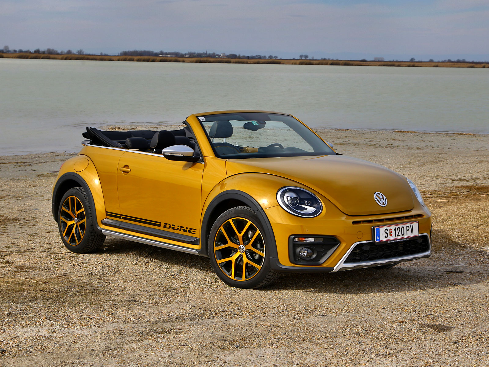 vw beetle cabriolet dune tsi testbericht. Black Bedroom Furniture Sets. Home Design Ideas