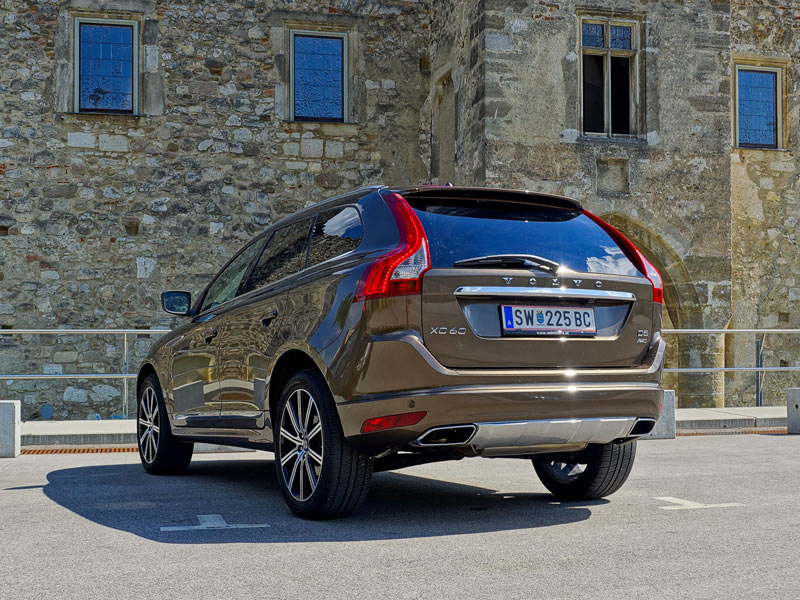 volvo xc60 d5 awd geartronic summum testbericht. Black Bedroom Furniture Sets. Home Design Ideas