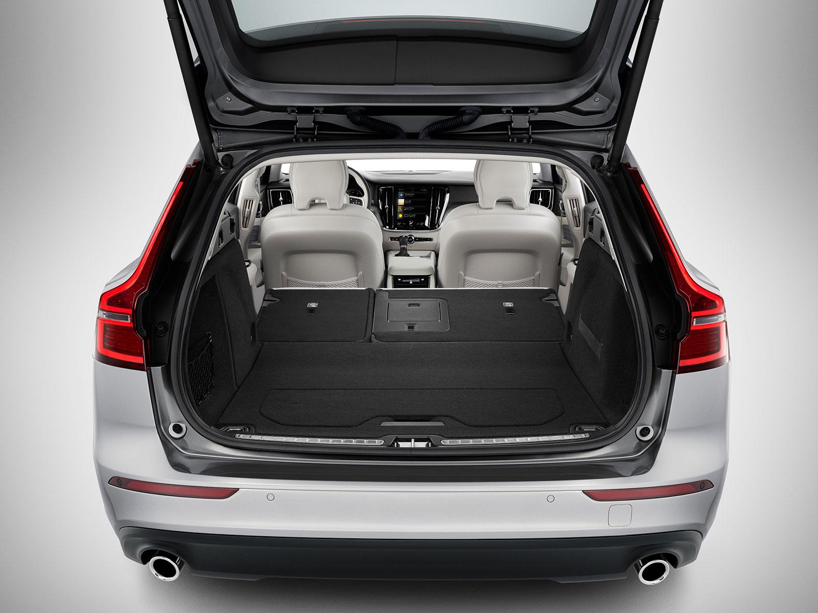New-V60-interior-18 – AutoGuru.at