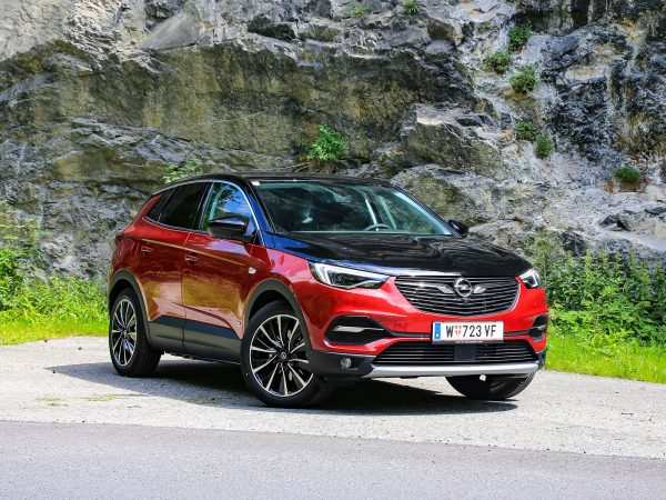 Opel Grandland X Hybrid4 Ultimate Front