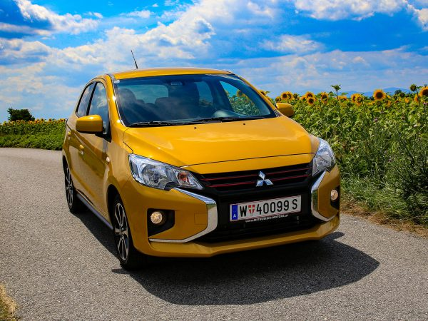 Mitsubishi Space Star Front