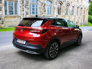 Opel Grandland X Hybrid4 Ultimate Heck