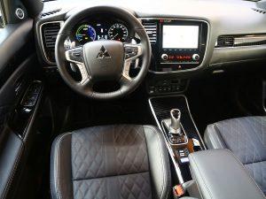 Mitsubishi Outlander Diamond PHEV Innen