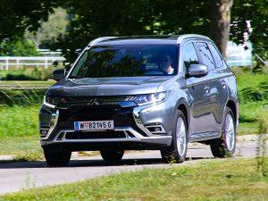Mitsubishi Outlander Diamond PHEV Front