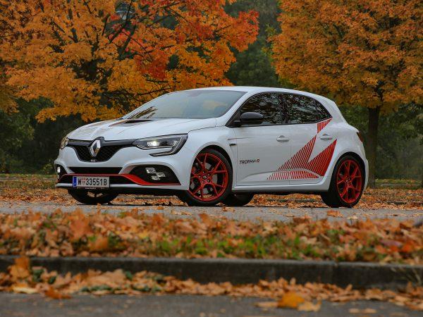 Renault Megane RS Trophy-R Front