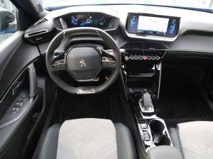 Peugeot e-2008 GT Innen