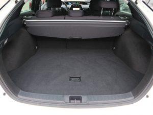 Toyota Prius 1,8 Hybrid E-four Lounge
